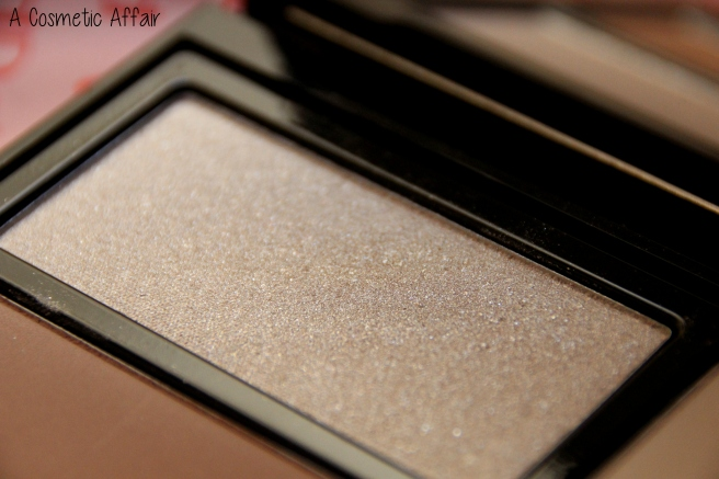 pupa-milano-ready4selfie-contouring-and-strobing-palette-3